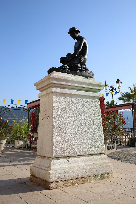 """Statue """"Le pêcheur à l'épervier"""""""